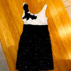 Garcia offwhite/black dress. Size XS